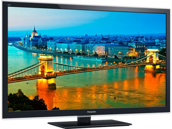 Panasonic VIERA 42-Inch 3D HDTV with 4 Pairs of 3D Glasses