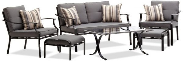 Outdoor patio furniture set by Strathwood