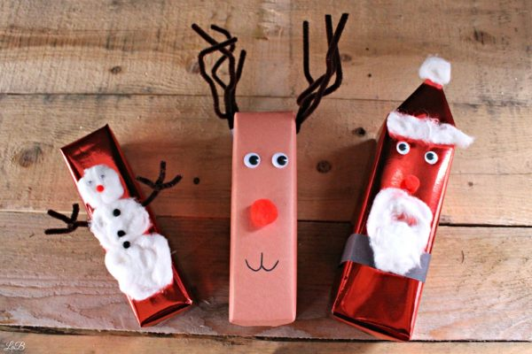 Wrap Gifts like Santa, Reindeer and Snowmen