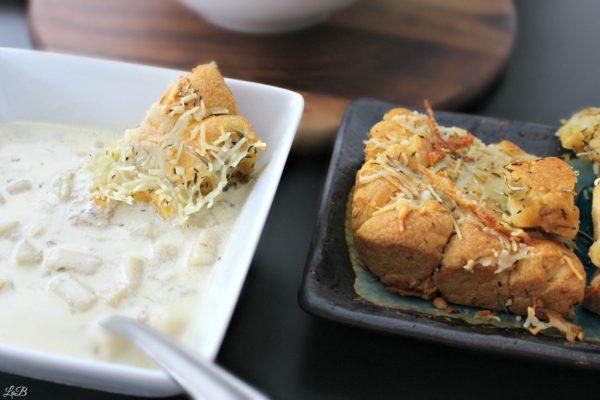 Easy Recipe for Garlic Monkey Bread